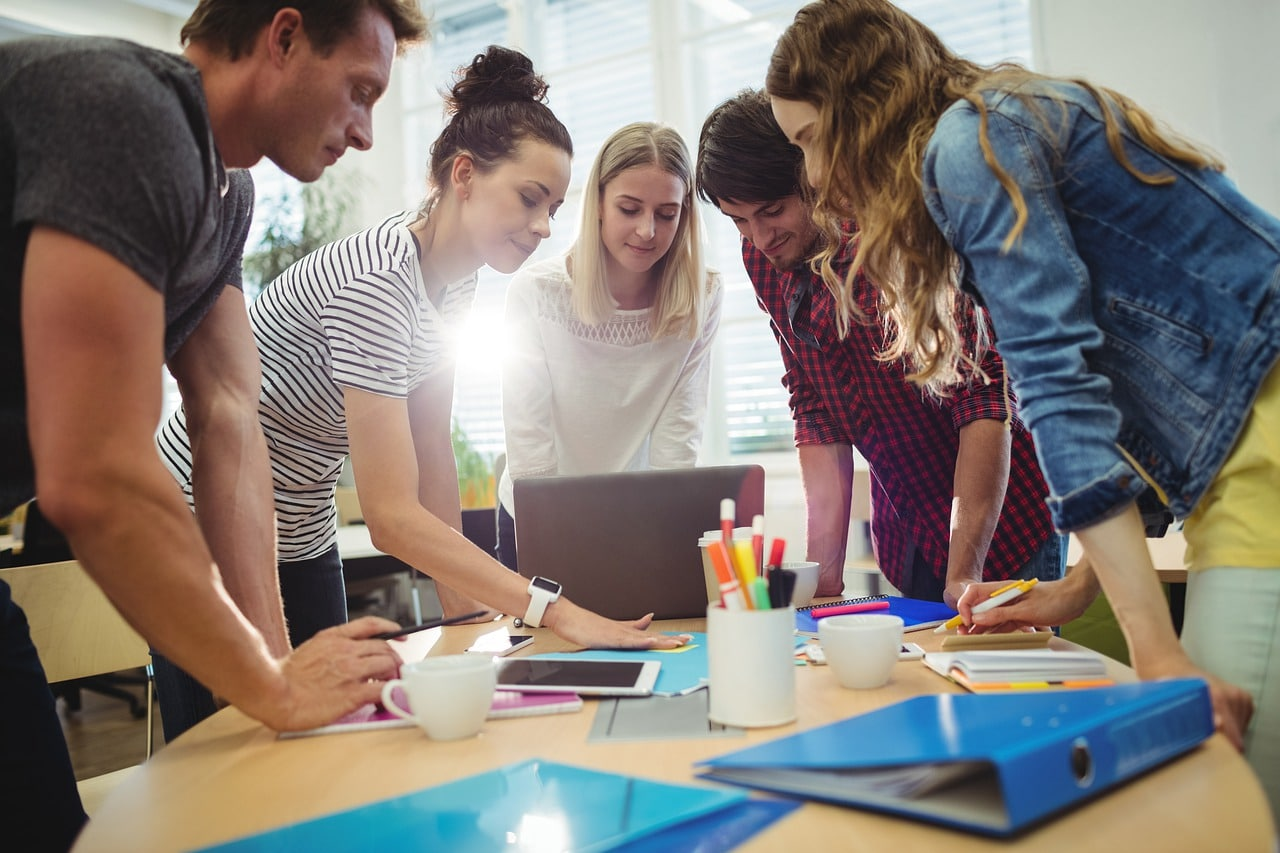 Dynamic company culture improving productivity at an office meeting
